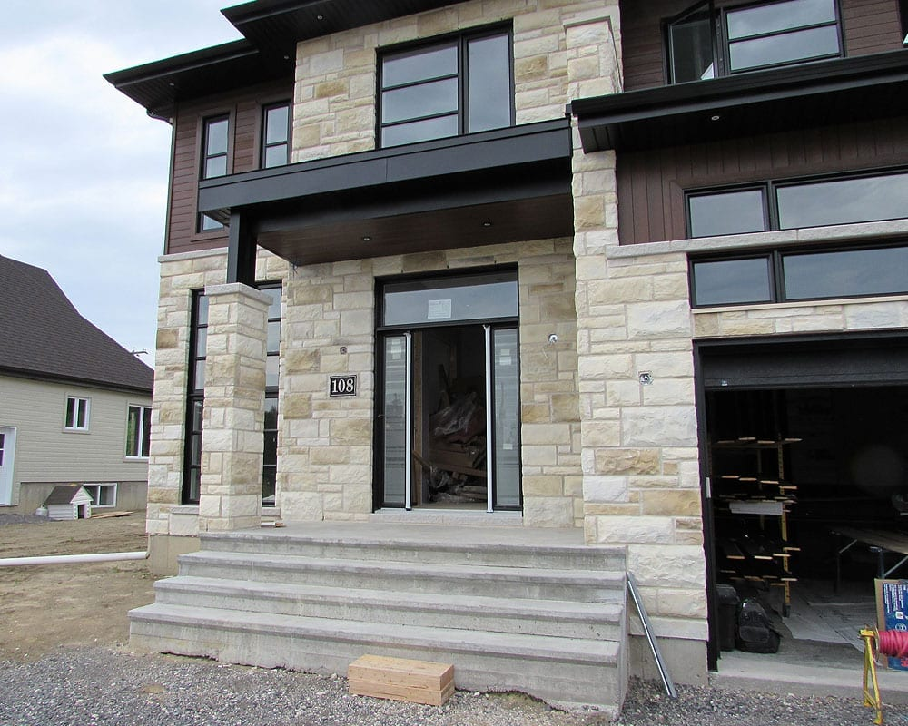 Spray painting stone veneer prex montreal laval for Peinture revetement exterieur
