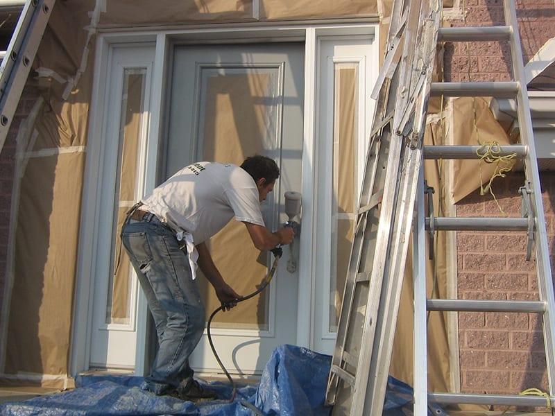 Prex peinturer sa porte d'entrée peinture spray peintres extérieurs expérience Montréal Laval Rive-Sud
